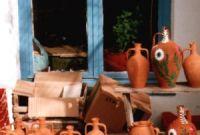 Αγγεία από το μαγαζί του Δημήτρη Σταμάτη στο Μανταμάδο.